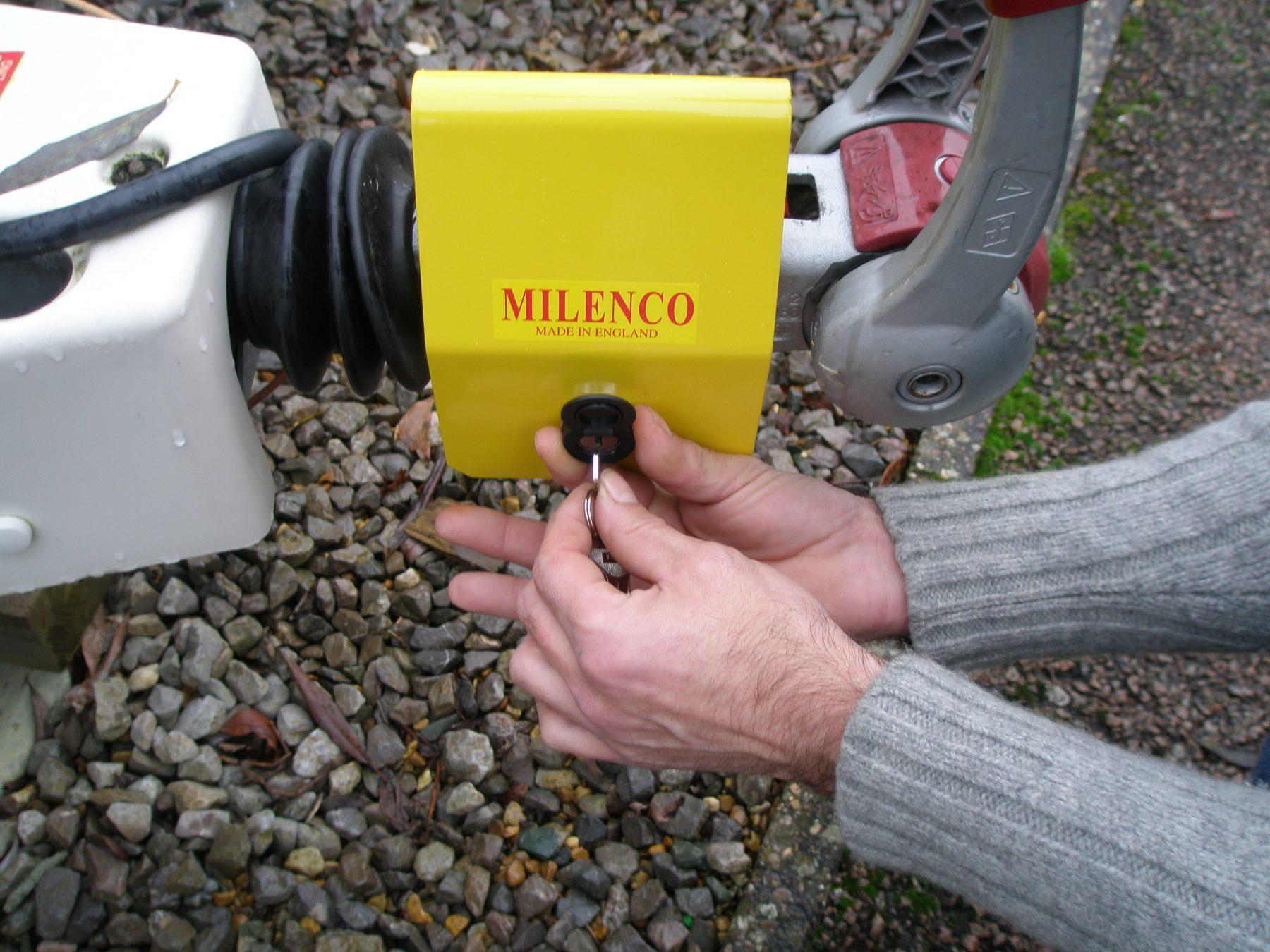 Caravan Alko //Albe Milenco Hitch Lock